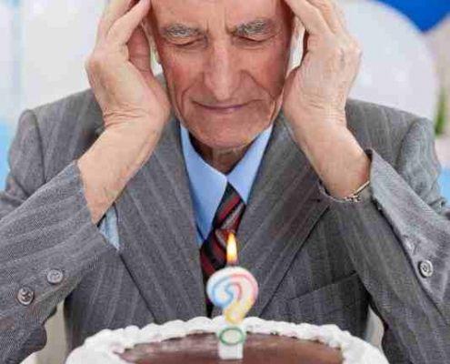 senior mit demenz